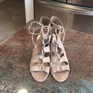 8.5 Dolce Vita Taupe Gladiator Wedges A03